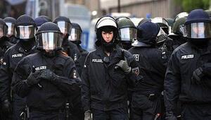 Avrupa'da terörün hedefinde polis var