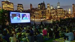 New York manzarasında sinema keyfi