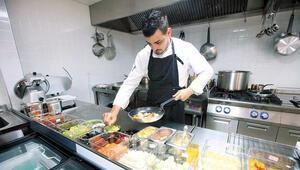 Michelinli aşçı Giorgio Diana Göcekte pişiriyor