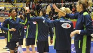 Kadın sporcular Fenerbahçenin gururu oldu