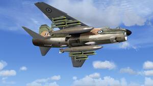 Yunanistanda askeri uçak düştü
