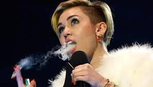 Miley Cyrusa eleştiri yağıyor