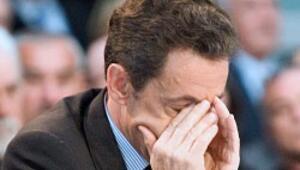 Sarkozy'nin partisinde laiklik çatlağı