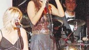 İstanbul şarkılarına protokol tanıtımı
