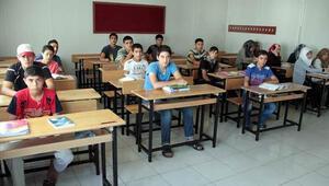 Suriyeli çocuklar okula buruk başlayacak