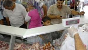 Ramazanda ucuz et kuyruğu