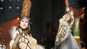 Paris Haute Couture Moda Haftası'nda Mevlana etkisi