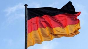 Almanya Ebolaya karşı Batı Afrika'daki vatandaşlarını geri çağırdı