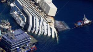 Costa Concordia su yüzeyine çıkmaya başladı