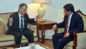 Davutoğlu'ndan Kerry ve Steinmeier ile 'Kırım' mesaisi