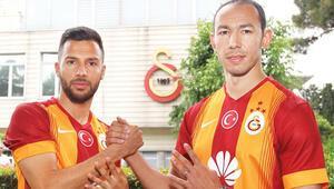 Şampiyon Galatasaray forma, bayrak ve tişörtleri yetiştiremedi