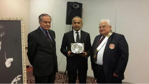 Rotary'den Küçükşahin'e hizmet ödülü
