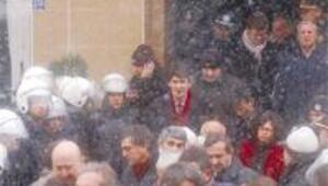 Ermeni konferansı davasında arbede