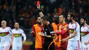 Süper Lig 12. haftada kızardı