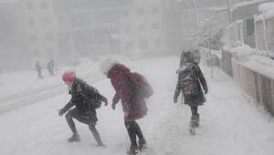 Yarın okullar tatil mi Merak edilen soruya İstanbul Valisi Vasip Şahin ne cevap verdi