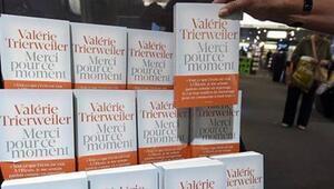 Hollandeın eski hayat arkadaşının yazdığı kitap, ilk dört günde 170 bin adet sattı