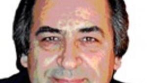 Sarkozy yeni hükümetinde 5 milyon Müslüman'a göz kırpıyor