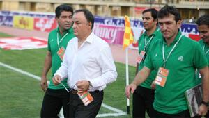6-0ın antrenörü Galatasaraya geliyor