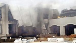 Onarımdaki otelde alev duman korkusu