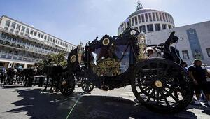 İtalyan mafyası cenaze töreninde şov yaptı