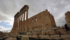 IŞİDin patlattığı Palmyradaki Bel Tapınağı hala ayakta