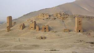 IŞİD Palmiradaki kule mezarları havaya uçurdu
