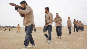 'Eğit-donat'ı bitiren 75 muhalif Suriye'de