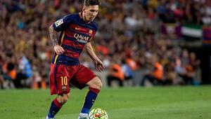 UEFA Avrupada Yılın En İyi Futbolcusu ödülünü Lionel Messi kazandı