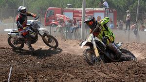 Akhisar'da motokros heyecanı