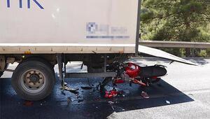Motosiklet TIRa arkadan çarptı: 1 ölü, 1 yaralı