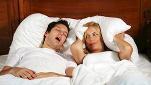 Ağzı açık uyuyanlar dikkat