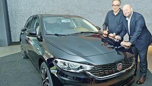 Fiat Chrysler CEO'su Marchionne, Bursa'da 'Ege'yi denedi ve övgüler yağdırdı