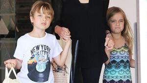 Angelina Jolie ve Brad Pittin ikizleri büyüdü