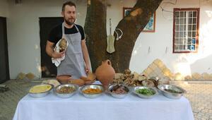 Ömür Akkor 4 bin yıllık Hitit yemekleri pişirdi