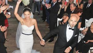 Birol Namoğlu ile oyuncu Derya Beşerler, Bodrum'da evlendi