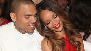 Rihannayı döven Chris Browna Avustralyadan vize yok