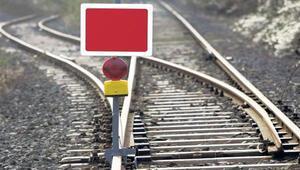 Kablo hırsızları demiryolu ulaşımını felç etti