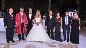 Selin ile Arca evlendi
