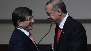 Başbakan Ahmet Davutoğlu, hükümeti kurma görevini iade etti