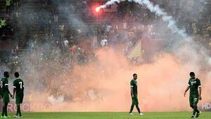 10-0ın öfkesi Malezya-Suudi Arabistan maçı yarıda kaldı