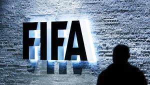 İsviçre FIFA soruşturması kapsamında Rafael Esquiveli ABDye iade ediyor