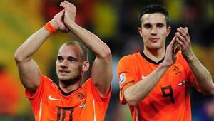 Van Persie ve Sneijder milli takımda