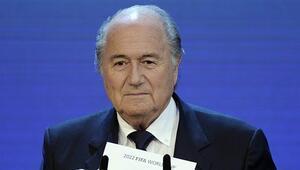 FIFA Etik Komitesi Blatterin başkanlığını askıya aldı