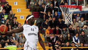Pops Mensah-Bonsu basketbola veda etti