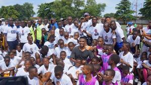 Etoo, Ebola için Batı Afrikada