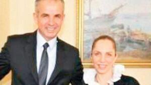 Sertab Erenerin fotoğrafının casusluk davasında ne işi var