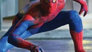 Örümcek Adam yeniden doğdu