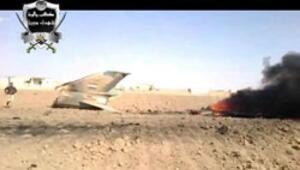 Düşen Suriye uçağının ve pilotun görüntülerini yayınladılar
