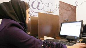 Pembe İnternet kafe