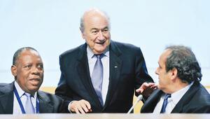 Blatter bittiğini kabul etti